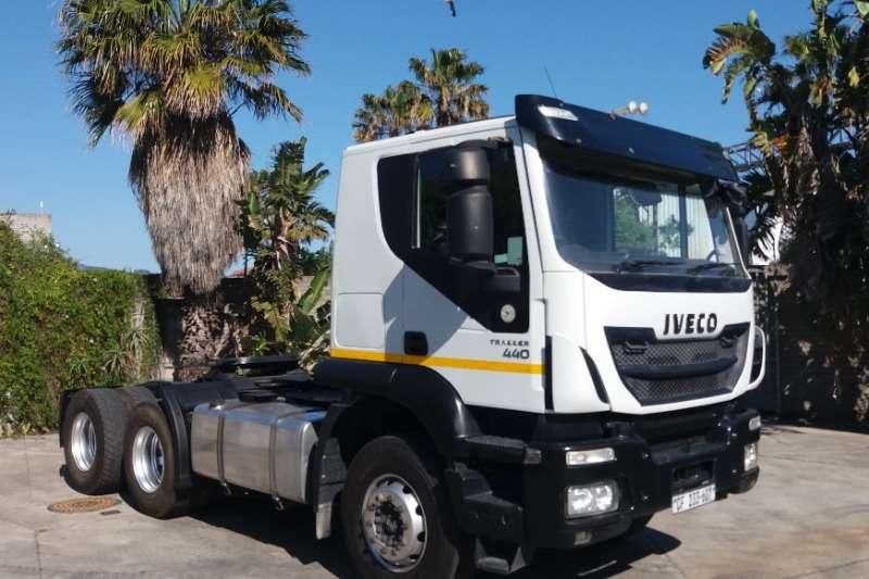 Iveco Truck-Tractor Double axle Trakker 440 2017
