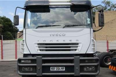 Iveco Double axle IVECO TRACKER Truck tractors