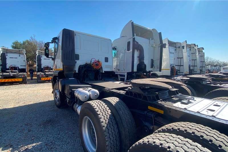 Iveco Double axle IVECO TRAKKER 420 6X4 T/T Truck tractors