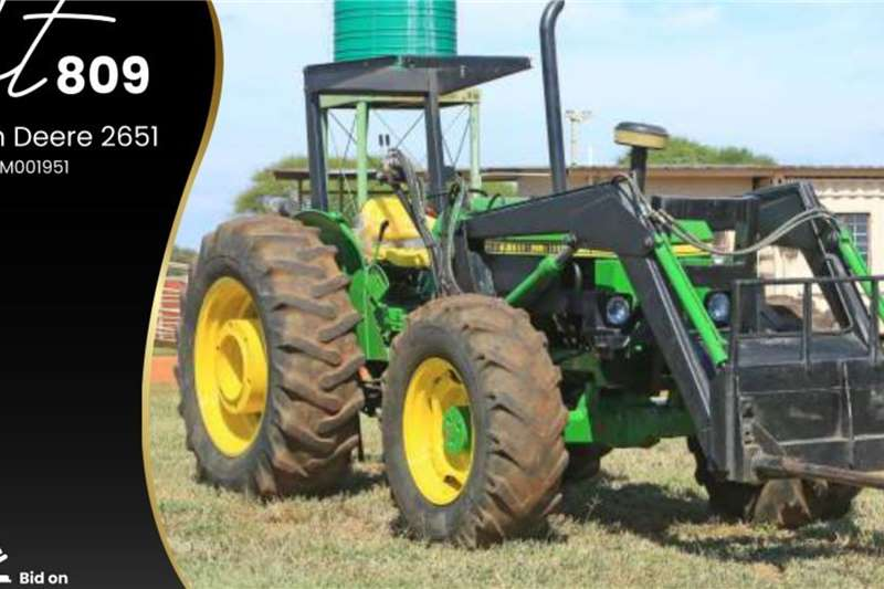 John Deere 2651 Tractors