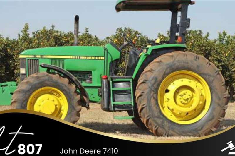 John Deere 7410 Tractors