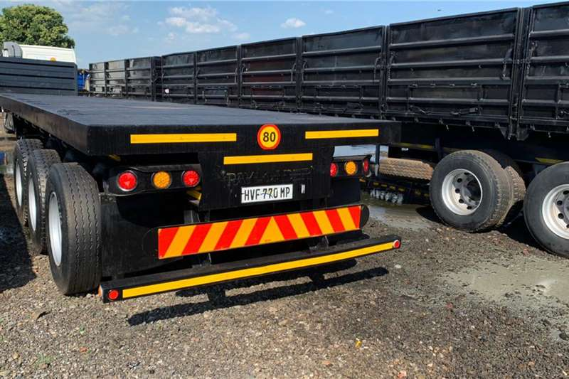 Kearneys Trailers Flat deck 13m tri axle + container locks + pole pockets 2013