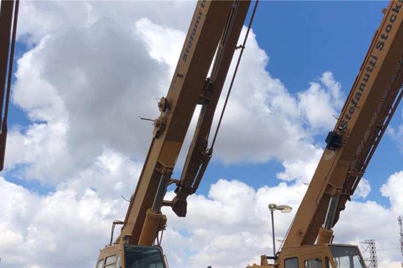 Kobelco RK250 5 ROUGH TERRAIN Cranes
