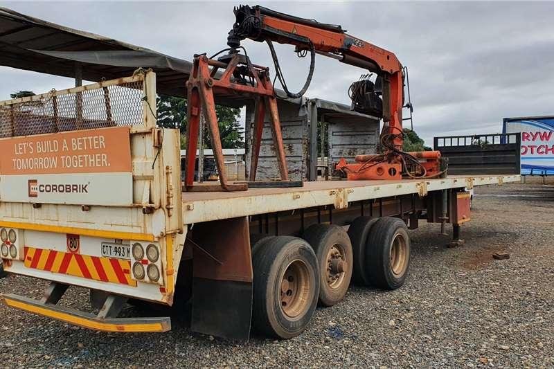 La Mon Trailers Brick trailer 13.5m tri axle + brick crane 2003