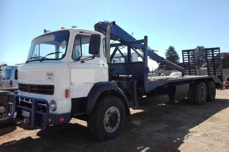 Leyland-DAF Truck Flat deck Crane Truck d/axle Flatdeck + Beaver Tail