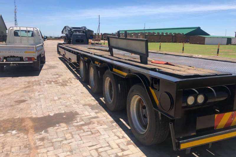 Lowbeds Afrit lowbed and dolly 75 tonner 2013