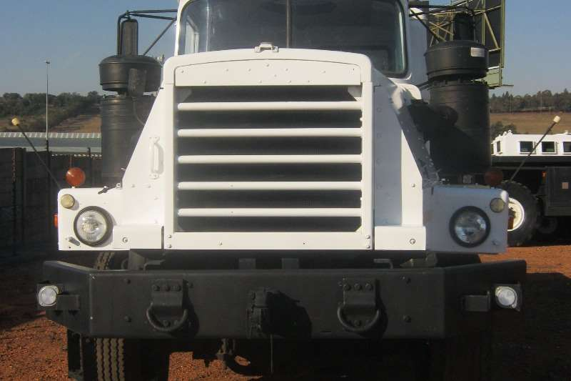 Mack Mack 6x6 Truck