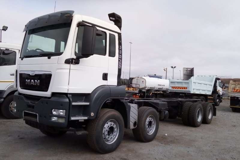 MAN Chassis cab trucks MAN TGS 41.480 8x4 Chassis Cab 2011