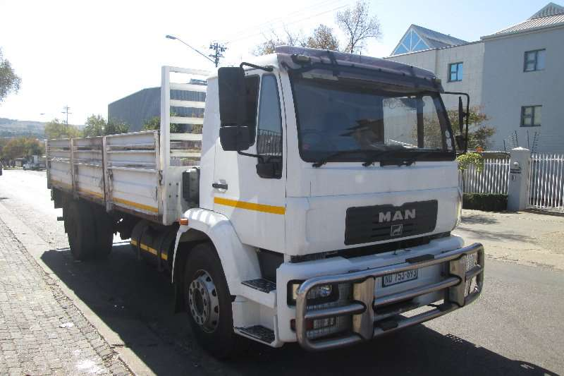 MAN Dropside trucks 15 220 2013