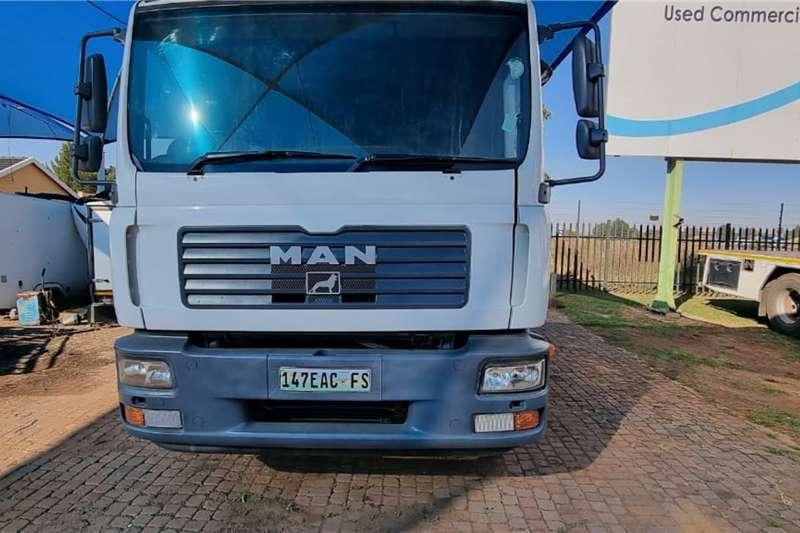 MAN MAN 8ton Dropside trucks
