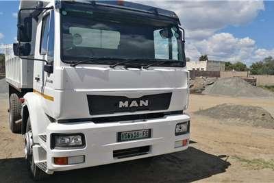 MAN CLA 15 220 Tipper trucks
