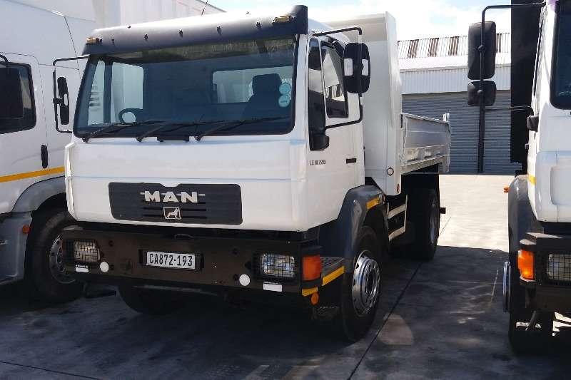 MAN Tipper trucks LE 18 220 2006