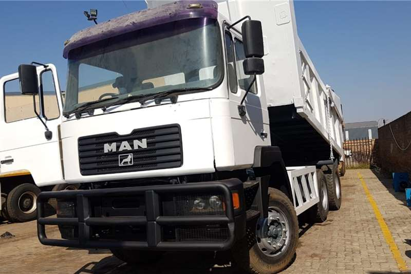MAN Truck 33-374 tipper 10 Cube 2001