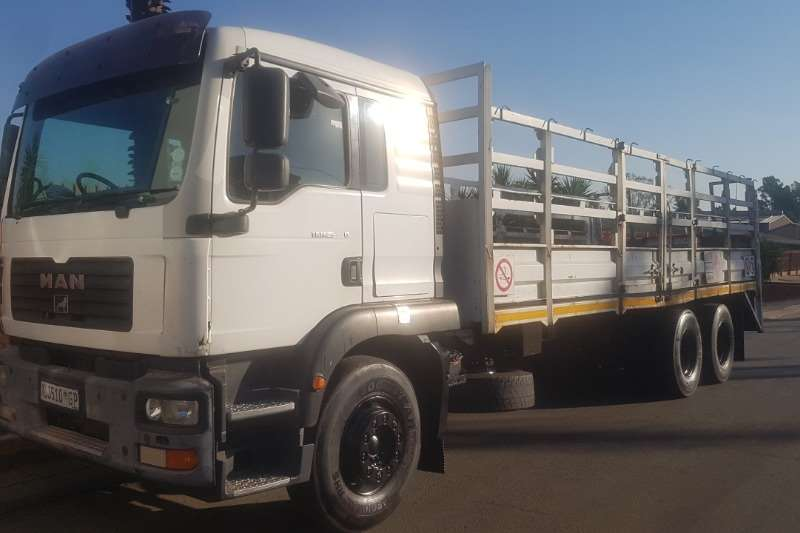 MAN Truck Cattle body TGM 25 280 2008