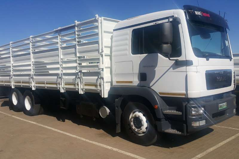 MAN Truck Cattle body TGS 25 280 with Cattle Body 2014