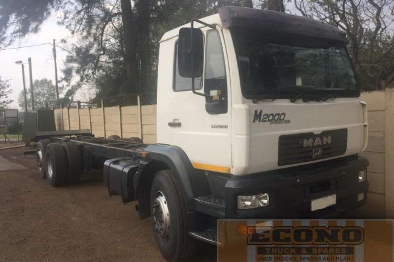 MAN Truck Chassis cab M2000 25 284 2002