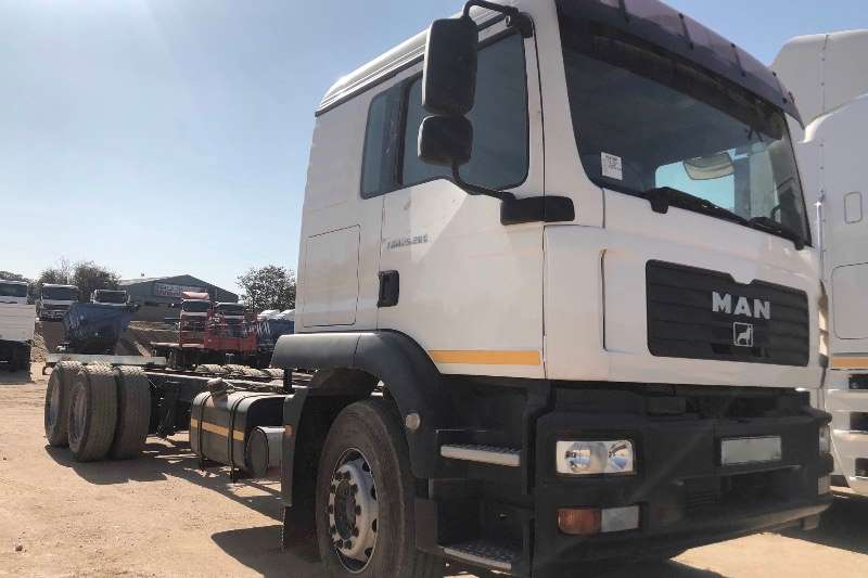 MAN Truck Chassis cab MAB 25 280 FC CHASSIS CAB 6X2 2006