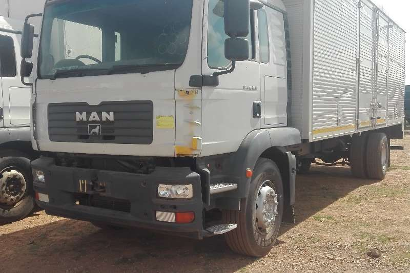 MAN Truck Closed body Man TGM 18 280 2010
