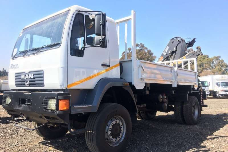 MAN Truck Crane Truck M2000 LE18.220 4x4 Dropside + Hiab 1528-1CLB Crane 2009