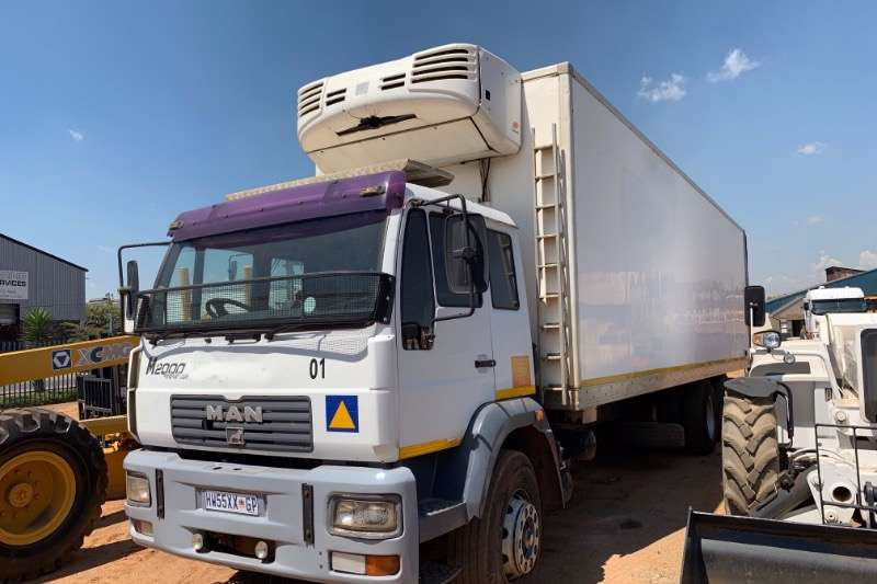 MAN Truck Fridge truck 25 280 6X2 2006