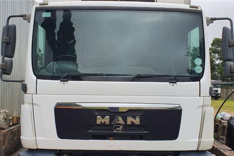 MAN Truck Fridge truck MAN TGM 15.240 2010