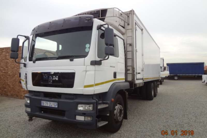 MAN Truck Fridge truck MAN25 280 Fridge with tail lift 2012