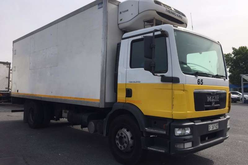 MAN Truck Fridge truck TGM15 240 2009