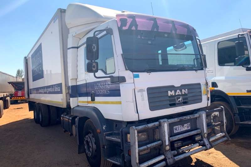 MAN Truck Fridge truck TGM18 280 6X2 2009
