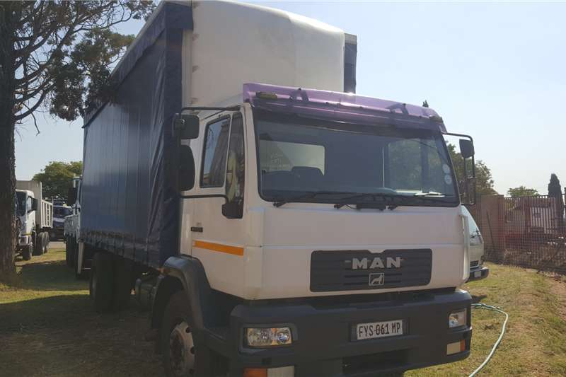 MAN Lowbed 15 220 Truck