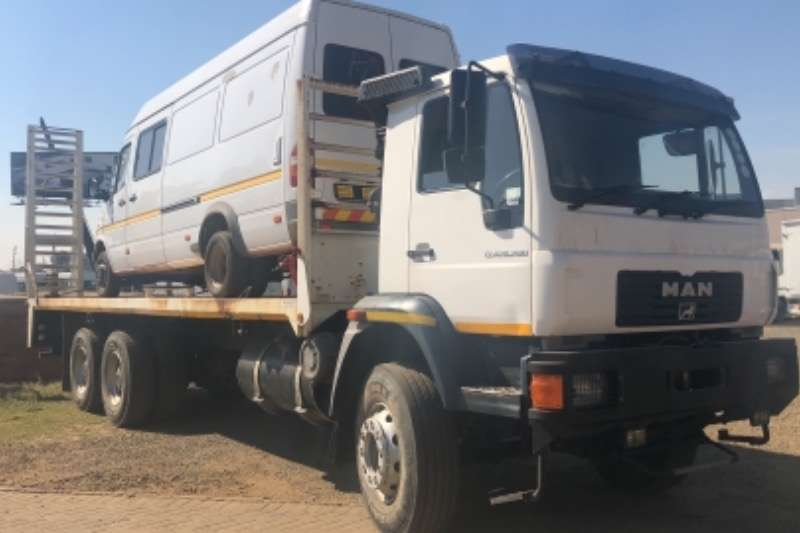 MAN Truck Lowbed MAN CLA 26.280 6x4 36000 KMS R579000 2014