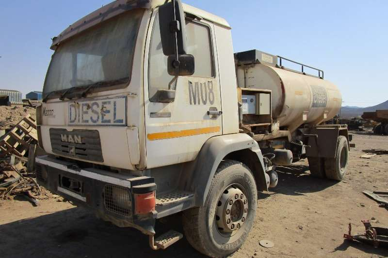 MAN Truck MAN M2000, LE2208, Diesel Tanker Truck