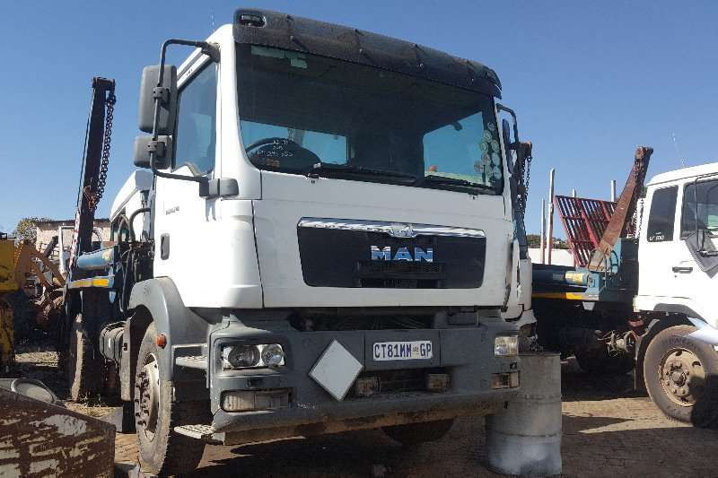 MAN Truck Skip bin loader TGM 18 240 2013