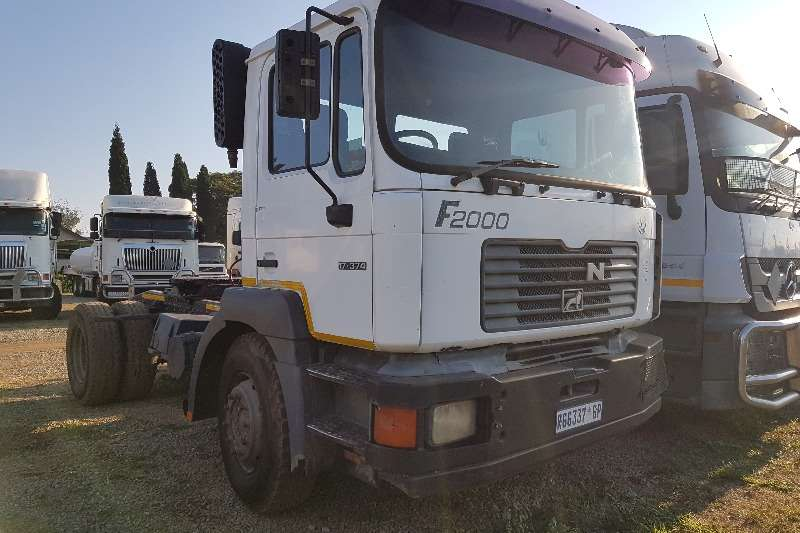 MAN Double axle 2003 Man F2000 17 374 Truck-Tractor