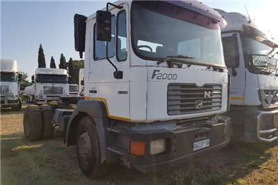 MAN Truck-Tractor Double Axle 2003 Man F2000 17-374 2003