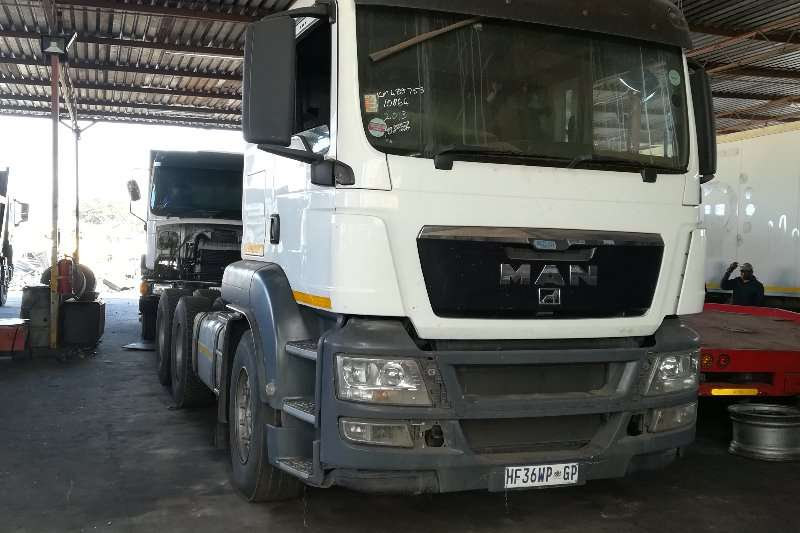 MAN Truck-Tractor Double Axle 27-440 2013
