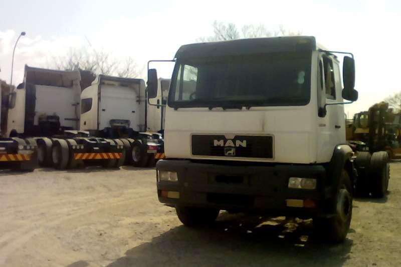 MAN Double axle 30.380DFT Truck-Tractor