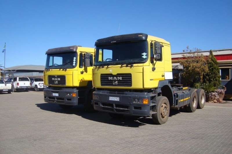 MAN Truck-Tractor Double axle F2000 MAN 27.464 T/T C/C 2001