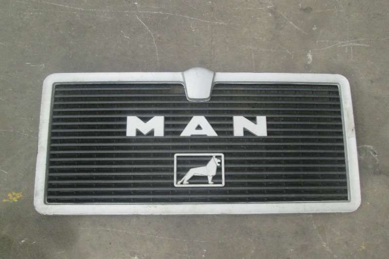 MAN Truck-Tractor Double Axle F80 Grill