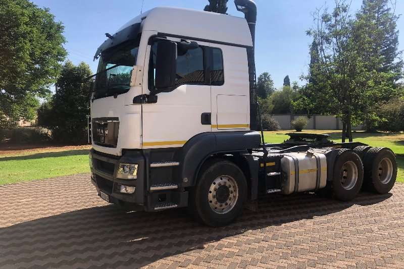 MAN Truck-Tractor Double axle MAN 26 480