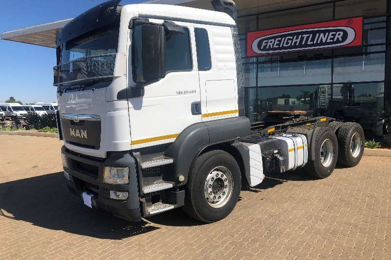 MAN Truck-Tractor Double axle MAN 27 440 2015