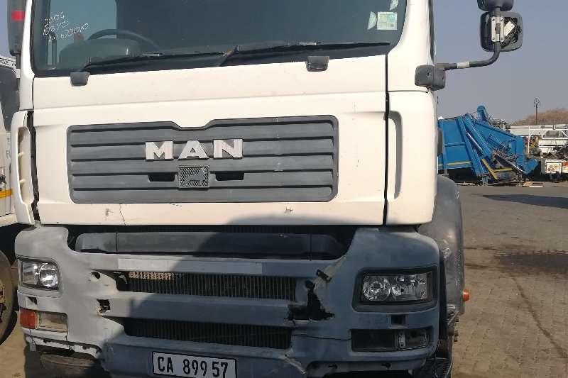 MAN Truck-Tractor Double axle tga 26 410 2004