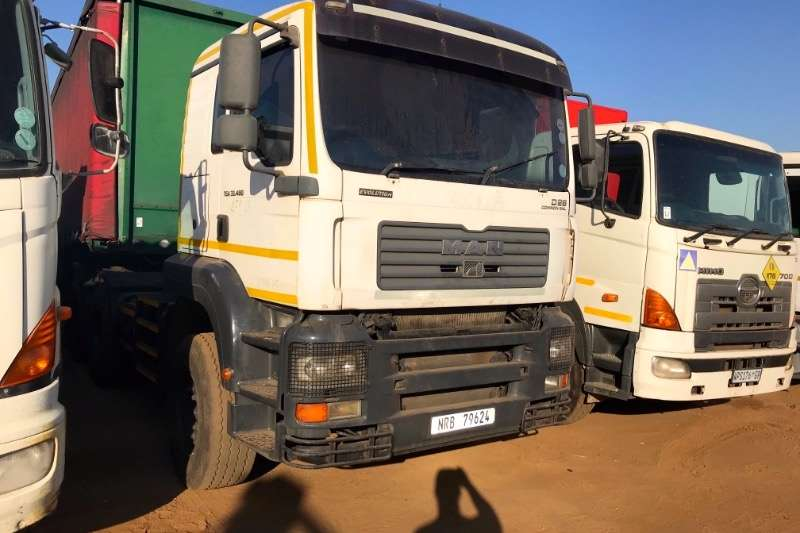 MAN Truck-Tractor Double axle TGA 33 480 2010