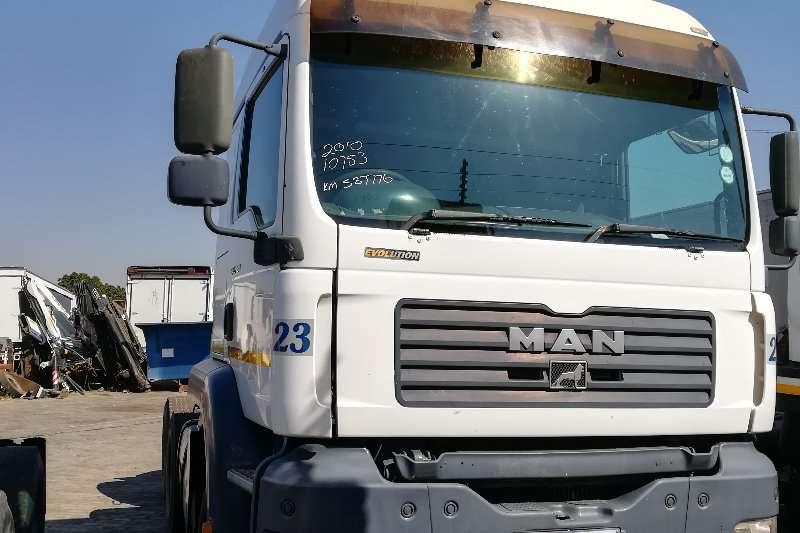 MAN Truck-Tractor Double axle TGA 33 480 2010