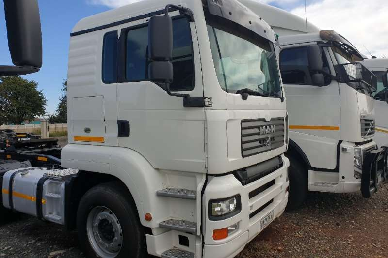 MAN Truck-Tractor Double axle TGA400 2008