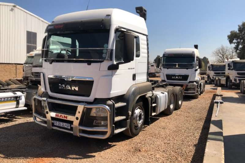 MAN Truck-Tractor Double axle TGS 26.440 6x4 T/T 2017