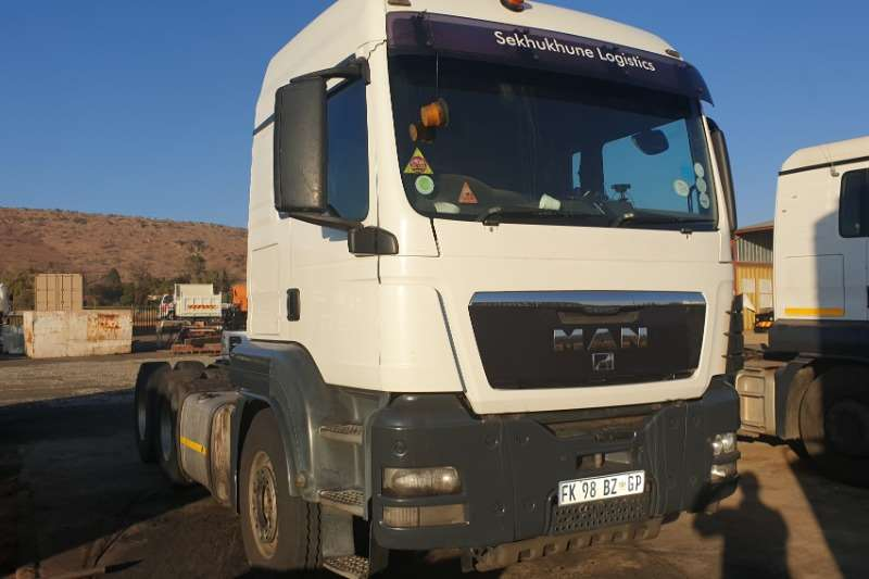 MAN Truck-Tractor Double axle TGS 26.480 2011