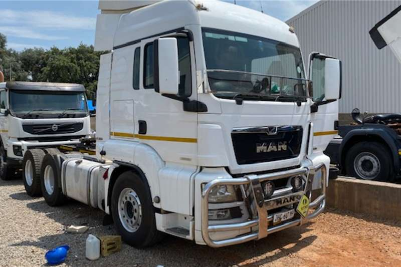 MAN Truck-Tractor Double axle TGS 26.480 6x4 T/T 2017