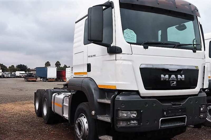 MAN Truck-Tractor Double axle TGS 33.440 6x4 2013