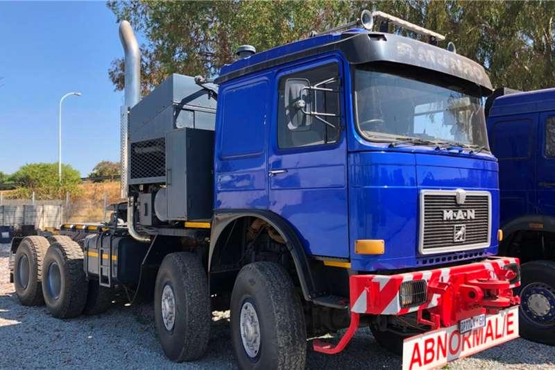 MAN Truck tractors Double axle 30 Series 1990