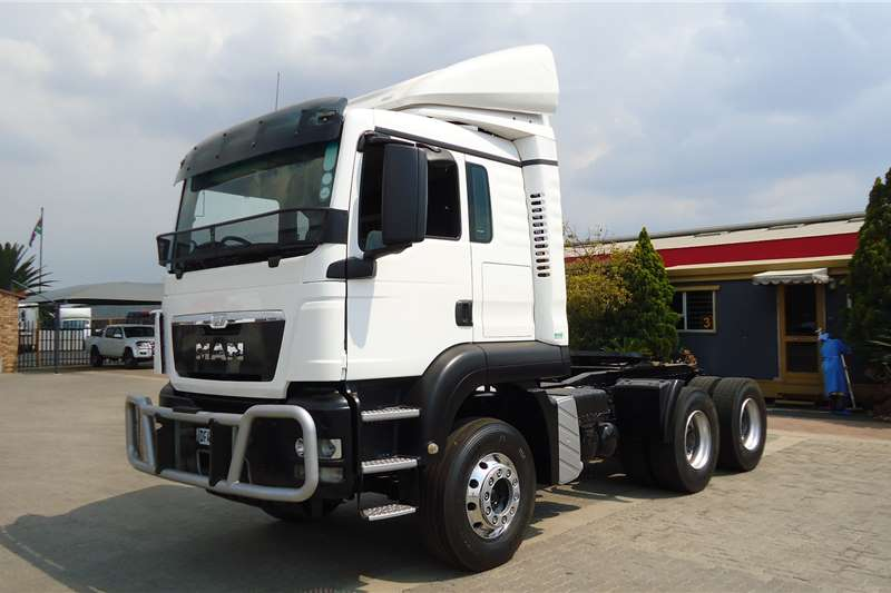 MAN Truck Tractors Double Axle 33.360 TGS T/T C/C DF45RBGP 2014